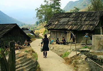 Motor Village La >> Vietnam Traditional Villages (10 Days)